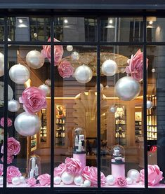 On the occasion of the launch of his new rose and - - Salon Window Display, Boutique Window Displays, Christmas Window Display, Window Display Design, Spring Window Display, Nail Salon Decor, Beauty Salon Decor, Beauty Salon Interior, Boutique Decor