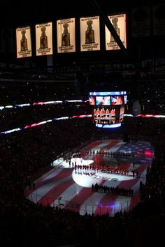 Chicago Blackhawks 2013 Championship Banner Raise. United Center.