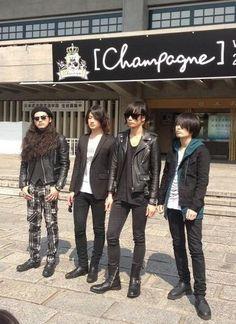 [Champagne]2014/3/28 @日本武道館 Rock Bands, Punk, Style, Fashion, Swag, Moda, Fashion Styles, Punk Rock, Fashion Illustrations