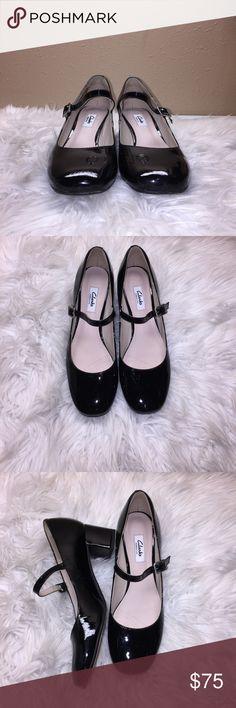 1b11641b41edd Clarks Black Closed Toe Block Heels 9M Like new in box. Retail Value:  $125.00
