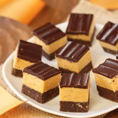 i love nanaimo bars and pumpkin, wonder what… Pumpkin Recipes, My Recipes, Sweet Recipes, Recipies, Dessert Recipes, Dessert Bread, Dessert Bars, Christmas Baking Gifts, Sweet Factory