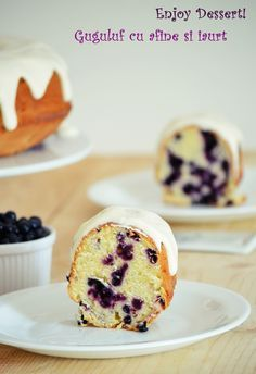 Guguluf / Cake with blueberries and yogurt Lemon Bundt Cake, Romanian Food, Pastry And Bakery, Cake Shop, Sweet Cakes, Sweet Bread, Cupcake Cakes, Fruit Cakes, Cupcakes