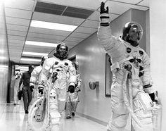 Les astronautes des missions Apollo étaient habillés par une marque de soutiens-gorge dans 10 faits incroyables peu connu du grand public !  Faux