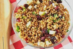 Wheat Berry Apple Salad - http://www.savoringthethyme.com/2011/06/summertime-picnic-food-ideas-wheat-berry-apple-salad-in-a-jar/