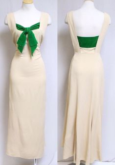 Fashion: Vintage Jay Thorpe Crepe Crepe Gown with Green Bow. 1930s Fashion, Retro Fashion, Vintage Fashion, Vintage Gowns, Vintage Outfits, Lindy Hop, Pretty Outfits, Beautiful Outfits, 1930s Dress