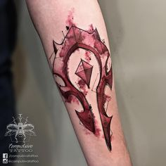 Tatuagem feita pela tatuadora Mayara Compulsiva de São Paulo. Inspirada no filme Star Wars. Horde Tattoo, Simbolos Tattoo, Lotr Tattoo, Devil Tattoo, 100 Tattoo, Body Art Tattoos, Sleeve Tattoos, Tatoos, World Of Warcraft