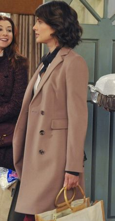 Robin's beige coat on How I Met Your Mother: I want that! -CW