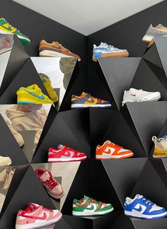 Dream Shoes, New Shoes, Sneakers Fashion, Shoes Sneakers, Shoes Wallpaper, Swag Shoes, Aesthetic Shoes, Hype Shoes, Sneaker Heels