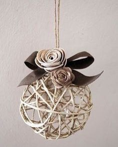 21 Amazing Shabby Chic Christmas Decoration Ideas – 37 super easy diy christmas crafts ideas for kidslaser cut ornament wooden christmas tree ideawhat do your christmas decorations say about you Diy Christmas Ornaments, Christmas Balls, Rustic Christmas, Christmas Projects, Holiday Crafts, Christmas Holidays, Christmas Pudding, Shabby Chic Christmas Decorations, Xmas Decorations
