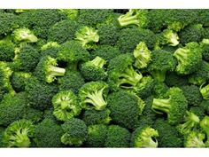 Know the complete details about broccoli. Health benefits of broccoli, nutrition facts, and scientific name. The advantages of eating broccoli. Broccoli Sprouts, Broccoli Salad, Raw Broccoli, Broccoli Florets, Roasted Brocolli, Broccoli Recipes, Veggie Recipes, Supplements For Women, Health Products