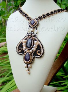 Opulent Black & Gold bead embroidered necklace vs by Sunny1167, €149.99