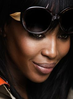 A close up of Naomi Campbell in oversize Burberry frames from The Gabardine Collection