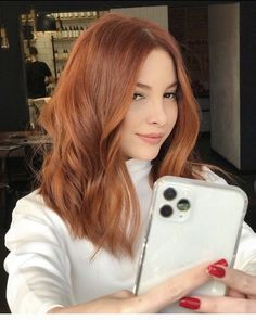 Ginger Brown Hair, Ginger Hair Dyed, Ginger Hair Color, Hair Color And Cut, Dyed Hair, Light Auburn Hair, Hair Color Auburn, Strawberry Blonde Hair, Mid Length Hair