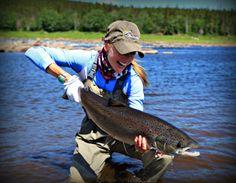 Atlantic salmon on the fly with Rebekka Redd. Trout Fishing Tips, Fishing 101, Salmon Fishing, Sport Fishing, Kayak Fishing, Women Fishing, Kayaking With Kids, White Water Kayak, Destin Fishing