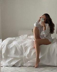 Bouidor Photography, Bedroom Photography, Bed Selfie, Selfie Poses, Selfie Sexy, Boudior Poses, Bed Photos, Bedroom Photos, Instagram Pose