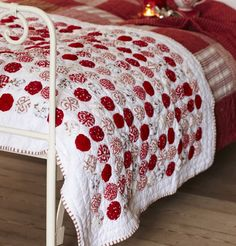christmas quilt...yoyo love! #verymerrymodachristmas