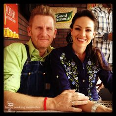 How You Can Fight Hunger with Kraft and Joey + Rory