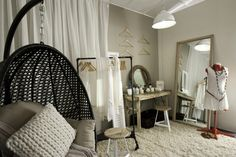 The winning room - Contemporary Closet - based on Glade's Clean Linen fragrance