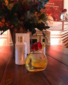 O primeiro perfume de luxo da @loccitane chega às lojas no mês que vem. A fragrância Terre de Lumière que tem o mel de lavanda como base foi apresentada oficialmente hoje no Brasil. Antes disso ELLE foi à Provence conhecer com exclusividade o lançamento conversar com as perfumistas da marca e ver de perto a luz da região que serviu de inspiração para o perfume. Está tudo na edição de março da revista! #terredelumiere  via ELLE BRASIL MAGAZINE OFFICIAL INSTAGRAM - Fashion Campaigns  Haute…
