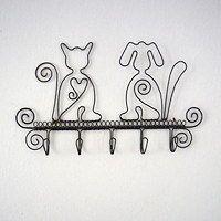Zboží prodejce Drátule / Zboží | Fler.cz Cat Crafts, Wire Crafts, Metal Crafts, Wire Wrapped Jewelry, Wire Jewelry, Copper Wire Art, Art Du Fil, Jewelry Hanger, Creative Walls