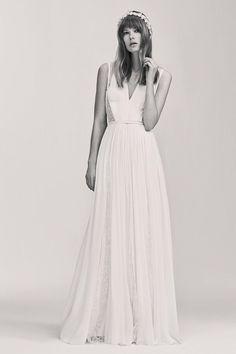 Elie saab bridal look 16 Bridal Dresses, Wedding Gowns, Wedding Hair, Indian Bridal Party, Elie Saab Bridal, Types Of Gowns, Anne Barge, Princess Prom Dresses, Royal Clothing