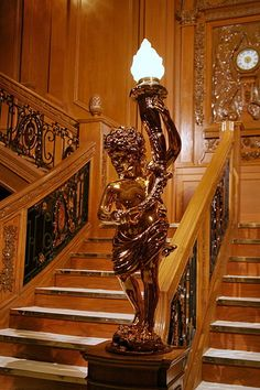 All first class accommodation had access from one deck to another either by the two grand staircases or three elevators. The grand staircases were decorated with a blend of late 17th century English style and Louis XIV; oak paneling covered the walls. #FirstClassFriday #Titanic