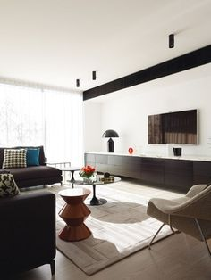 Sydney practice Greg Natale Design produces a quietly luxurious house in a Melbourne bayside suburb. Melbourne, Sydney, Brighton Houses, Designer Rugs, Living Room Storage, Dining Bench, Minimalism, Interiors, Interior Design