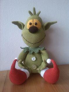 Grinch zonder kerstmuts. http://nl.dawanda.com/product/26090309-weihnachtselfe-zum-knutschen-haekelvorlage