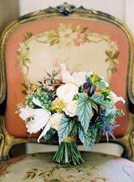 French wedding chairds: #bouquet #french: www.josevillablog.com