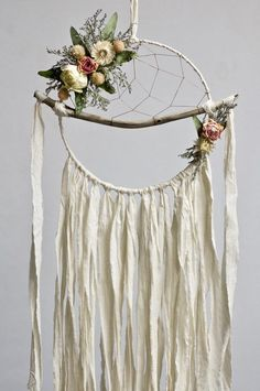 Your place to buy and sell all things handmade - Boho Dreamcatcher Floral Dream Catcher Driftwood Dream Dream Catcher Decor, Large Dream Catcher, Dream Catcher Boho, Dream Catcher Wedding, Beautiful Dream Catchers, Dream Catcher Mobile, Diy Tumblr, Driftwood Crafts, Boho Diy