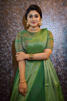 Beautiful Girl Indian, Most Beautiful Indian Actress, Gorgeous Women, Indian Bridal Fashion, Indian Wedding Outfits, Girls Fashion Clothes, Girl Fashion, Traditional Blouse Designs, Saree Wearing Styles