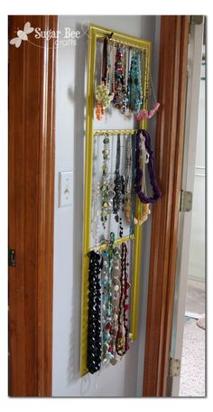 Cute ideas from http://www.sugarbeecrafts.com/2011/10/necklace-holder.html?utm_source=feedburner&utm_medium=feed&utm_campaign=Feed%3A+SugarBee-CraftEdition+%28Sugar+Bee+-+Craft+Edition%29