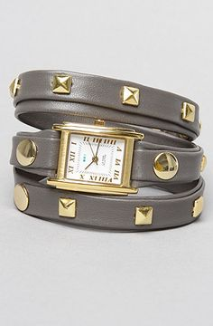 The Pyramid Stud in Grey and Gold by La Mer