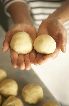 How To Bake Sandwich Rolls From Scratch | LIVESTRONG.COM