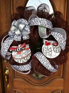 this is cute but would make it in to a Tech wreath, Wreck'em Tech!