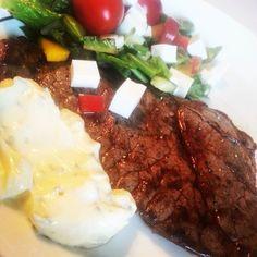Middag! Lövbiff (black angus innanlår) lite sallad och mycket bea O:) #lchf #lchfkost #lowcarb #lavkarbo #lchfklubben by bumblis