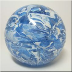 Art-Glass Langham Blue and White Paperweight♥♥