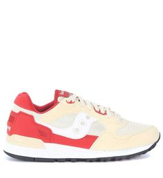 SAUCONY SNEAKER SAUCONY SHADOW 5000 IN WHITE, CREAM AND RED SUEDE AND NYLON. #saucony #shoes #
