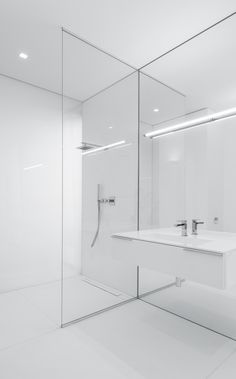 Modern White Bathroom Ideas: 387 Best Images About Minimalist Bathroom Design On Minimalist Bathroom Design, Modern White Bathroom, Minimal Bathroom, Bathroom Interior Design, Bad Inspiration, Bathroom Inspiration, Contemporary Baths, Bathroom Pictures, Bathroom Ideas