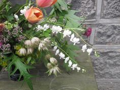 I promised to share an uniquely British-themed arrangement for this week's Slow Flowers Challenge and the floral offerings you see here are indeed straight from the garden of Sarah Statham, … Design Projects, Floral Design, Challenges, Flowers, Plants, Diy, Bricolage, Floral Patterns, Do It Yourself