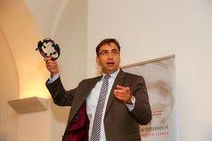 www.richardtanzer.com Deutschlands gefragtester Trendforscher, Sven Gabor Janszky, beim Weltmarktführer Kongress über die Arbeitswelten des Jahres 2025