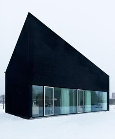 House-BD-photo-frederick-vercruysse black house//////www. Black Architecture, Interior Architecture, Amazing Architecture, Black Exterior, Interior And Exterior, Interior Design, Cap Ferret, Marimekko, Black House