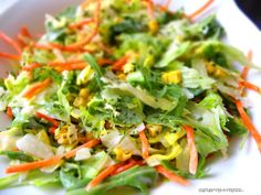 Manchmal muss es einfach schnell gehen. Ratz fatz sozusagen. Dressingzutaten in den Mixtopf, Salatblätter grob zerpflückt dazu und kaum den TM angemacht, ist der Salat auch schon fertig. Das ist do…