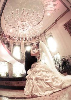 Romantic bridal portrait at The Venetian by The Studio Photographers @thestudiophotog