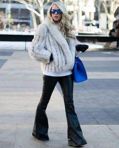 calca-flare-preta-inverno-street-style