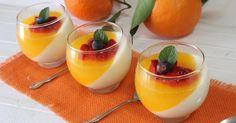 Panna cotta con gelatina de naranja y frutos rojos - Recetas Fáciles Reunidas
