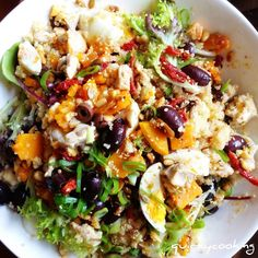 : Quinoa Salad, by Quirky cooking.looks awesome. Also info on quinoa Vegetarian Recipes, Cooking Recipes, Healthy Recipes, Vegetarian Protein, Cooking Tips, Pumpkin Quinoa, Chicken Pumpkin, Dinner Smoothie, Quirky Cooking
