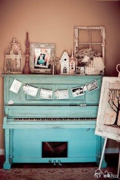 This piano is symbolic to me; it reminds me that reading is a process. We watched a video in READ that compared reading to a piano. Reading is more than just reading letters off of a page.its a complicated process. The Piano, Piano Guys, Painted Pianos, Painted Furniture, Vintage Party, Vintage Decor, Vintage Display, Vintage Air, Vintage Stuff