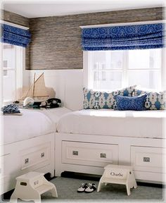 blue white beds hamptons