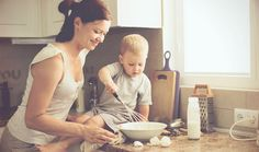 Criança na cozinha: motivos para os pequenos cozinharem!